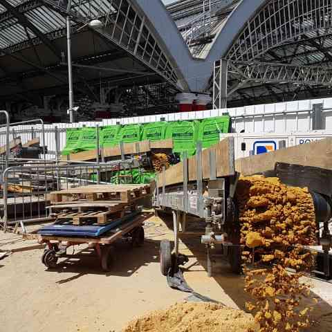Rail : Network Rail platform extension project, Liverpool [EK 600]
