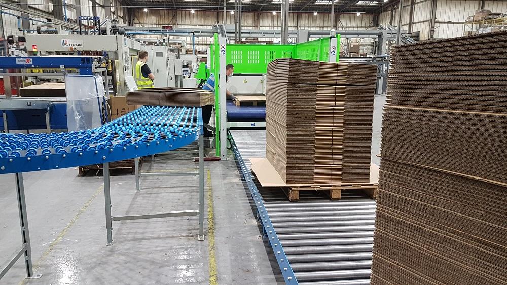 Manufacturing : Westbury Packaging, Melksham [Easibelt]
